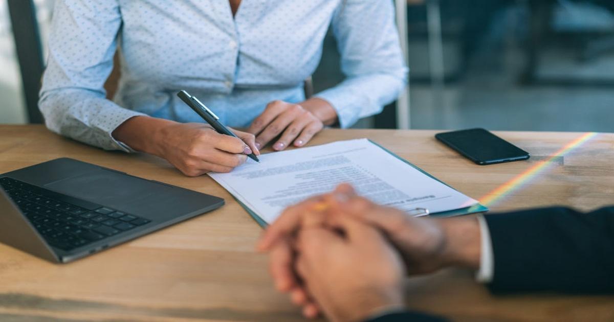 contacta con asesores legales en temas inmobiliarios