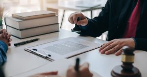 : Buscar la opinión de un abogado en la firma de contratos